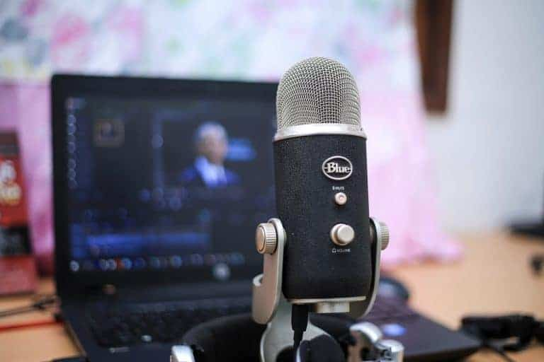 3 Types of Podcasts Translators Should Listen to